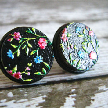 Black Floral Stud Earrings : Wood Print 16mm