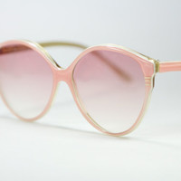 Papillon, pink cateye ladies made in France vintage sunglasses with gradient lenses, 1970s NOS