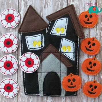 Haunted House Halloween tic tac toe game embroidered, board game activity travel game quiet game busy bag felt board play set jack o'lantern