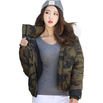 Fashionable Back Letter Print Camouflage Women Down Jackets