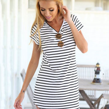 Black and White Striped V-neck Short Sleeve Dovetail Shift Mini Dress