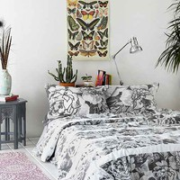 Plum & Bow Graphic Garden Duvet Cover- Black & White Full/queen