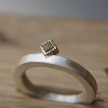 Raw Engagement Ring, 22K Gold and Rough cubic Diamond engagement ring,Unique Engagement ring,rough diamond ring, Alternative Engagement Ring