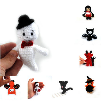crochet ghost, miniature ghost, Halloween ghost doll, scary ghost, cute ghost toy, little ghost decor, small plush ghost, softie character