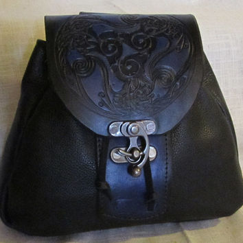 Leather Belt Bag Medieval, Celtic Raven Design, Belt Pouch Large, Leather Sporran, LARP, SCA, Costume, Ren Faire