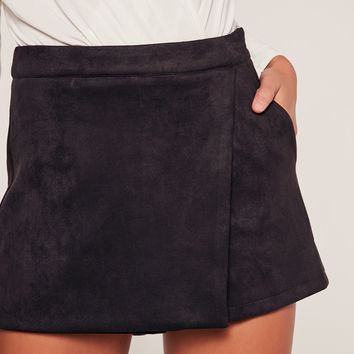 Missguided - Black Bonded Suede Skort