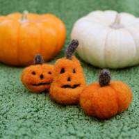 Tiny Halloween Jack-o-Lanterns - Dollhouse Decor