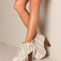 Lita Shoe, Jeffrey Campbell