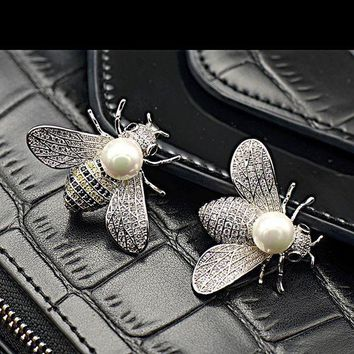 LMFHT3 Shell pearl lovely bees micro inlaid zircon insect brooch