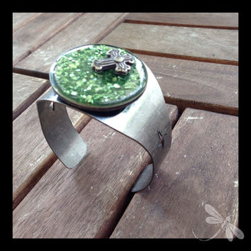 Chunky Metal Bracelet with Green Magic and a Silver Cross B6