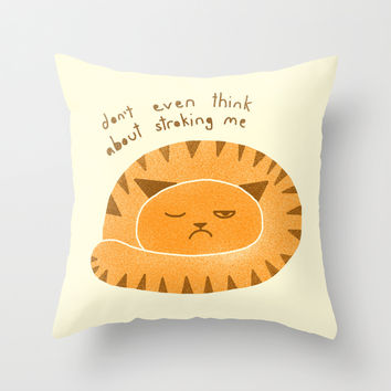 Grumpy cat Throw Pillow by Farnell