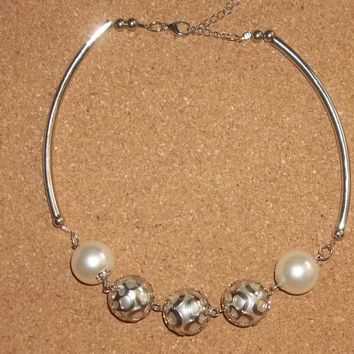 "Large Pearl Bead & Silver Tone Wedding Prom Formal Statement Necklace  18-20""Adjustable"