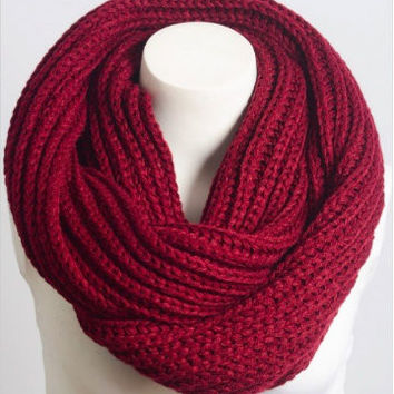 Warm Welcome Scarf | Merlot
