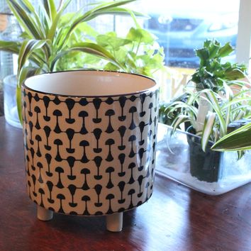 Ceramic Stoneware Planter with simple black pattern