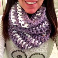 Purple and White Infinity Scarf, Chunky Infinity Scarf, White Crochet Scarf, Purple Circle Scarf,Christmas Scarf, Chunky Cowl Scarf, Gift fo