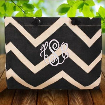 Monogrammed Beach Tote  Black and Natural by CharlottesStitch