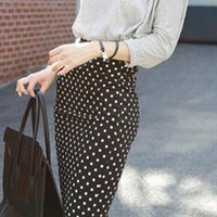 Vintage dot pattern pencil skirt from DeluxeFashion