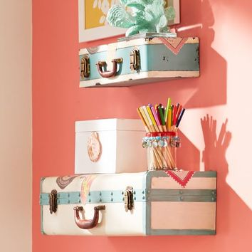 Traveler's Suitcase Shelving