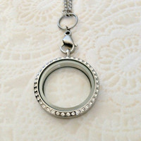 Large 30mm stainless steel memory locket with choice of stainless steel chain