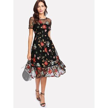 Black Round Neck Short Sleeve Floral Party Dress