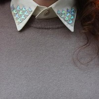 White detachable collar with white sparkle corners from TIQUE