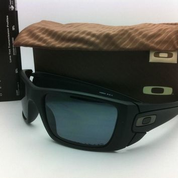 One-nice™ Authentic Oakley Sunglasses FUEL CELL OO9096-05 Black with Grey Polarized lenses