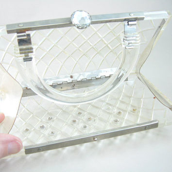 Clear Lucite Purse. Carved Lattice. Rhinestone Jeweled Clasp. Wedding Accessory. Vintage 1950s Clutch Purse. Unique Evening Bag.