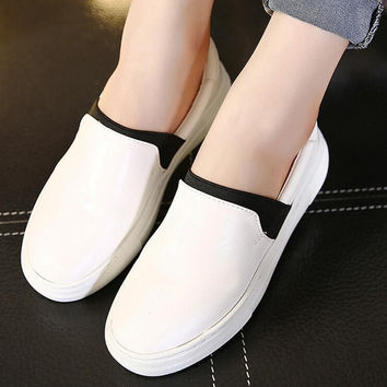 2016 new Women shoes woman shoes loafers womens shoes women flats snakers casual platform shoes Korea style pointed toe