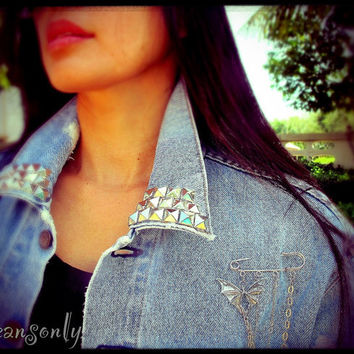 Vintage levis studded  jean jacket with removable cool pin brooch by Jeansonly
