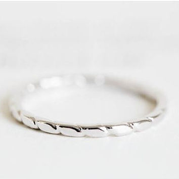 Simple band ring ; everyday ring ; pattern ring ; chic , modern and delicate ; gold and silver, rose gold ring, knuckle ring, misi ring