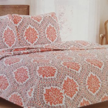 "Comfortable Elegance Autumn Medallion Queen Size Reversible 3-Piece Quilt Set: 1 Quilt (86"" x 86"") and 2 Pillow Shams (20"" x 26"")"