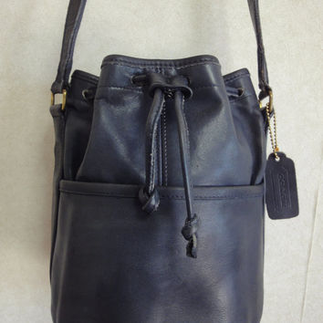 Vintage COACH  navy genuine leather hobo bucket shoulder bag, classic purse. Made in USA