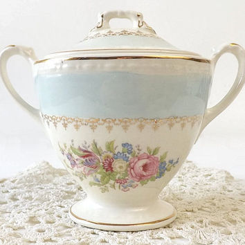 Homer Laughlin Sugar Bowl, Chateau Blue, Eggshell Georgian, Gold Filigree, Floral Bouquet Center