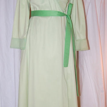 Vintage Vanity Fair robe mint green nylon wrap pleated chiffon ruffle neck & cuffs