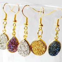 Gold Color Stone Druzy Earrings, Gold Druzy Quartz Round on Gold Framed  Earrings,  Minimalist Earrings,Gold Sparkly Dangle