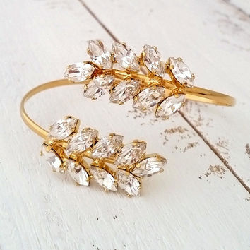 Crystal bridal bracelet, Clear white crystal cuff bracelet, Leaf bangle bracelet, Bridemsids gift, Wedding jewlery, Gold or Silver, Custom