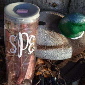Pink Camo Tumbler with Monogram ~ Realtree ~ Custom Design ~ Monogrammed ~ Initials ~ Camoflauge