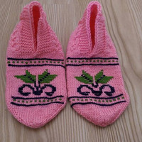 Pink Slippers, Pink Embroidered Slippers, Ethnic Slippers,Folk Slippers,Crochet Slippers,Pink Crochet Booties,Handmade Booties,Pink Slippers