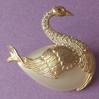 vintage Hattie Carnegie rhinestone bird swan brooch pin old jewelry