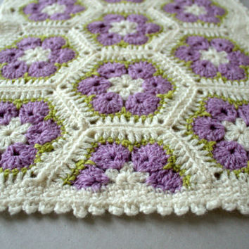 Wool mat for cat or small dog, crocheted, african flower mat, african flower rug, granny square mat, granny square rug