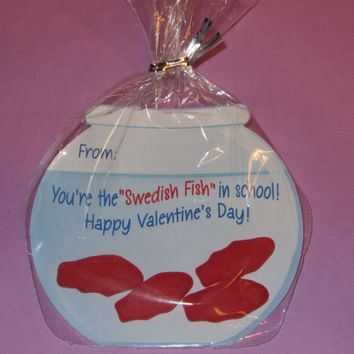 KIDS VALENTINE CARDS-Fish Bowl,fish bowl Valentine,party favor,fish valentine,swedish fish,valentine favor,Rounded Bags and ties included