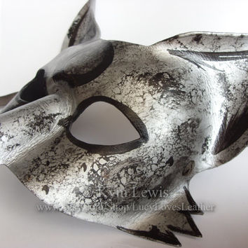Leather Fox Mask, Lunar Fox, Full Moon Kitsune, Fox Spirit, Kitsune Mask, Masquerade Ball, LARP costume, Cosplay Character, Silver and Black