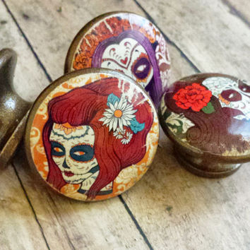 4 Handmade Lady Sugar Skulls Knob Drawer Pulls, Birch Wood, Distressed Day of The Dead Cabinet Pull Handles, Dresser Knobs, Made to Order