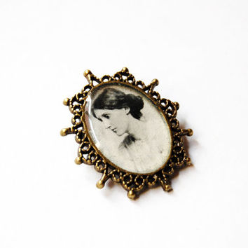 Virginia Woolf - Handmade Vintage Cameo Pin Brooch - Literature Jewelry - Book Jewelry - Virginia Woolf Cameo - Virginia Woolf Jewelry -OOAK