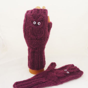 Owl Fingerless Mittens, Hand Knitted Owl Mittens, Women Owl Mittens, Girls Fingerless Owl Mittens, Owl Mittens in Cranberry