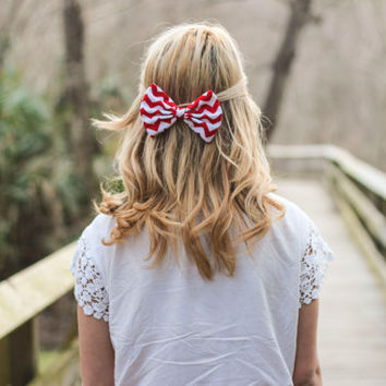 Red Chevron/Zig-Zag Printed Hair Bow