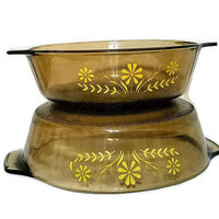 Amber Casseroles Round Bowls Yellow Flowers Pebbled Bottom Glasbake