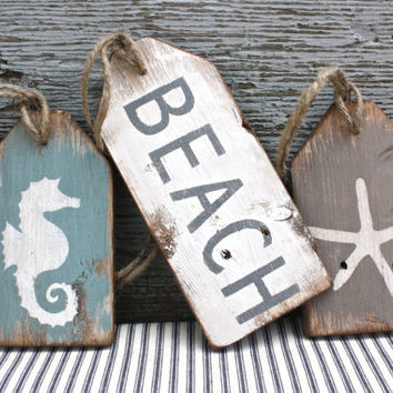FREE SHIP Beach Wood Tags Rustic Distressed Starfish Seahorse Large Tag Sign Set