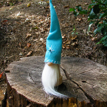 Swedish Tomte with Embroidered Turquoise Hat and White Beard / Tomte Nisse / Scandinavian Christmas Tomte. Handmade by studioLISE.