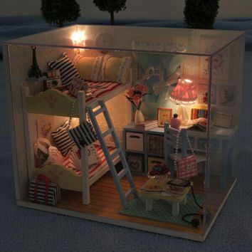 Hoomeda DIY Wood LED Light Doll house
